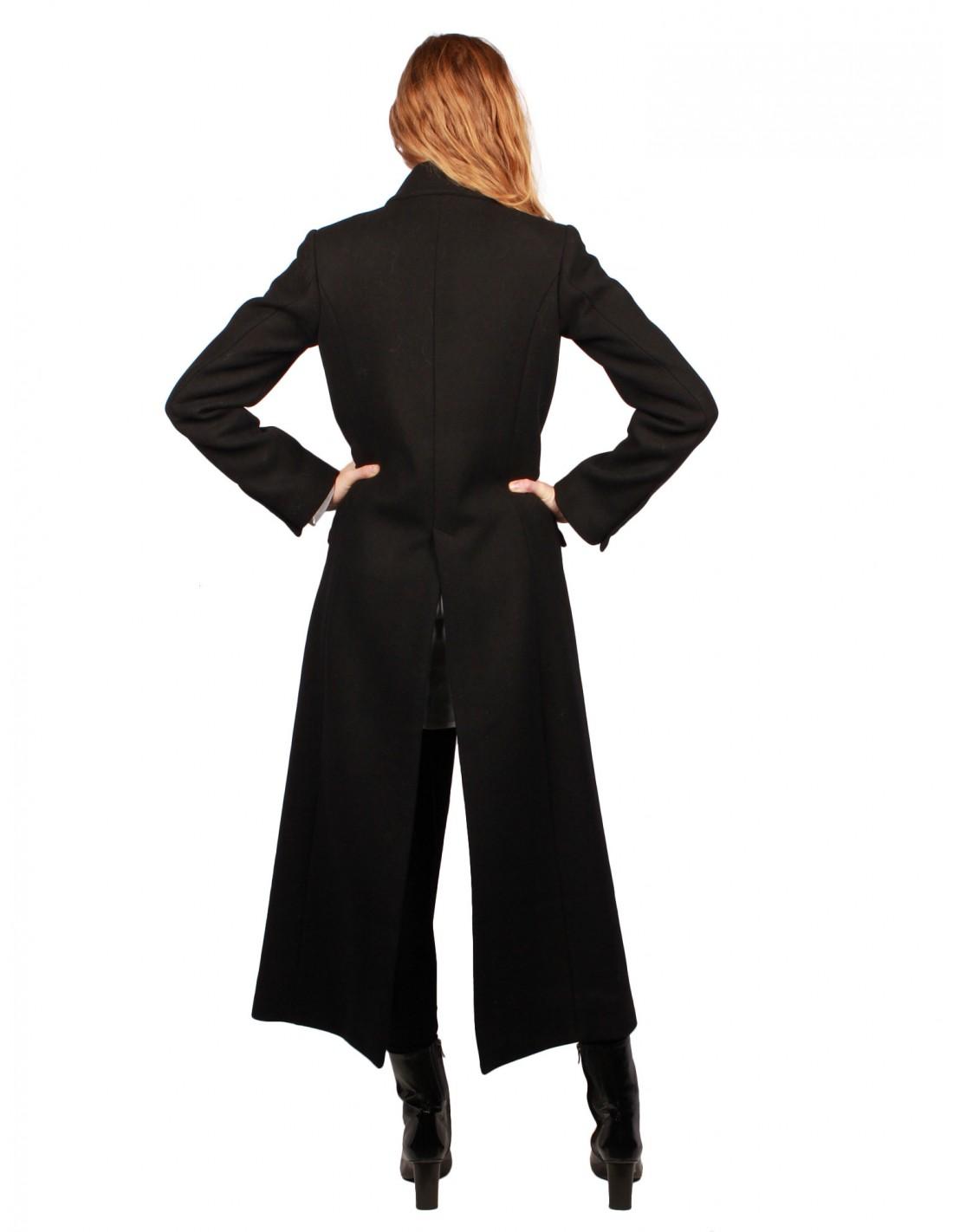 e538dec3d9d28 femme-long-manteau-noir-isabel-benenato-fw17.jpg