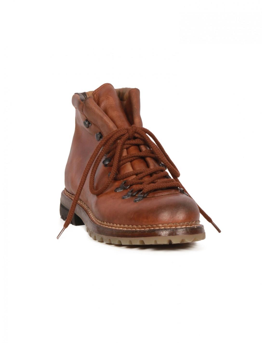 chaussure de randonn e marron en cuir premiata pour homme. Black Bedroom Furniture Sets. Home Design Ideas