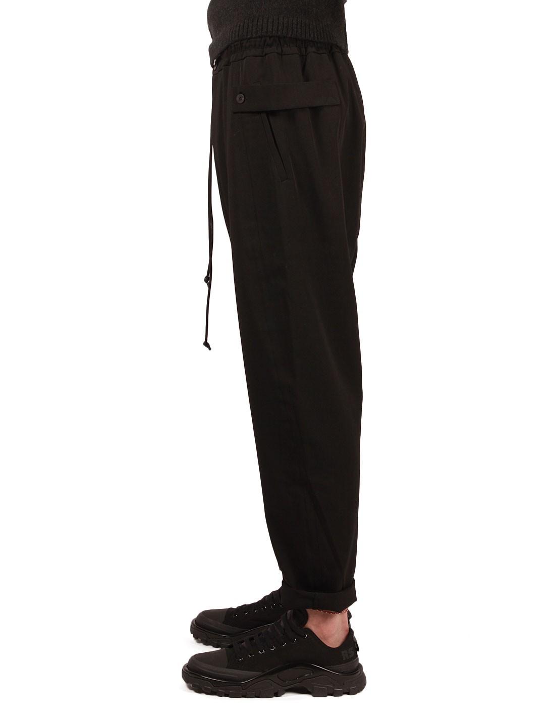 pantalon isabel benenato coupe carotte en laine noire pour homme hiver 2018. Black Bedroom Furniture Sets. Home Design Ideas