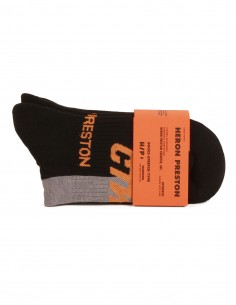 Chaussettes basses à logo noir et orange.