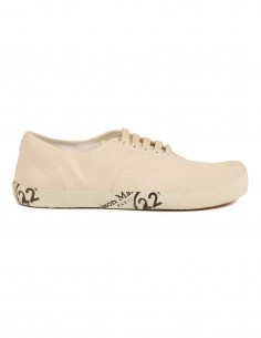 "MAISON MARGIELA ""Tabi"" laced-up white shoes made in canvas"