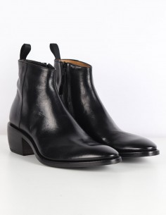 "PREMIATA ""31629"" black boots with little heel"