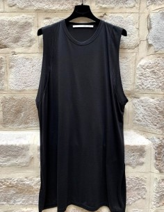 ISABEL BENENATO black oversized tank top with side slit