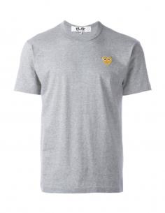 COMME DES GARCONS PLAY tee shirt gris à patch logo coeur doré