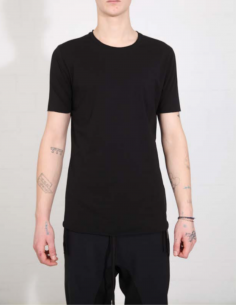 THOM KROM Black tee with clean hem and white topstitching