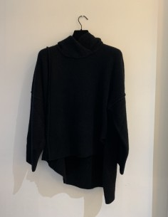 Black Oversized Hooded Sweater Slots Side