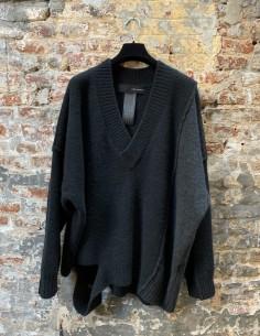 Oversized V-neck Sweater Black
