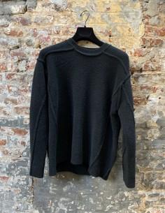 Round Neck Sweater in Mixed Yack Stitching Black