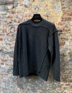 Round Neck Sweater in Mixed Yack Stitching Grey
