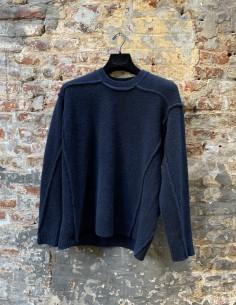 Round Neck Sweater in Mixed Yack Stitching Blue
