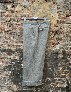 Pantalon droit à motif chevrons gris en tweed