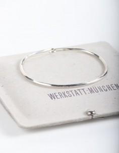 hammered silver bangle bracelet: MUNCHEN:WERKSTATT.
