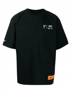"HERON PRESTON tee-shirt in black cotton for men with ""Worker"" print and logo - SS21"