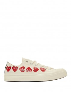 COMME DES GARÇONS PLAY x CONVERSE off white multi hearts low sneakers