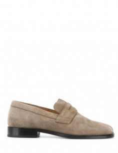"MAISON MARGIELA taupe moccasin ""TABI"" in suede for men fw20"