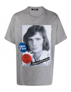 """T-shirt gris RAF SIMONS """"Chimes Of Freedom"""" avec pin's pour homme - SS21"""