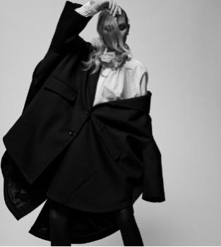 Collection Mode de vêtements et accessoires de créateurs pour Femme