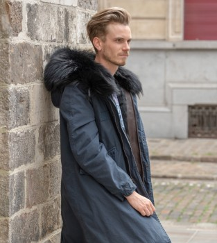 Discover the FW18 MR & MRS ITALY parka collection for Men.